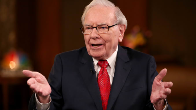 Warren Buffett Sells Apple (NASDAQ:AAPL) Stock